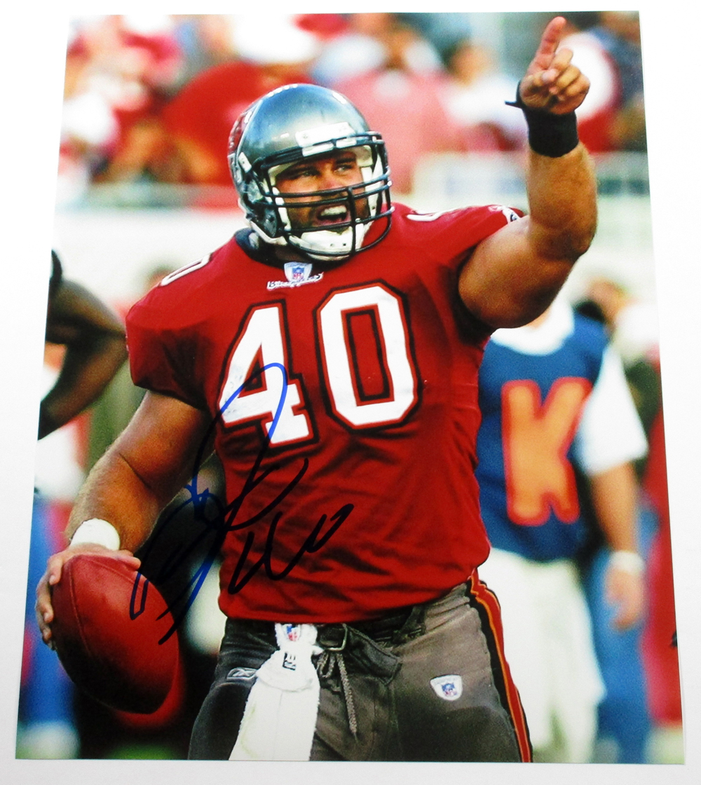 the best attitude 71b43 ff9bc Mike Alstott Signed 11x14 Color Photo A-Train Buccaneers ...