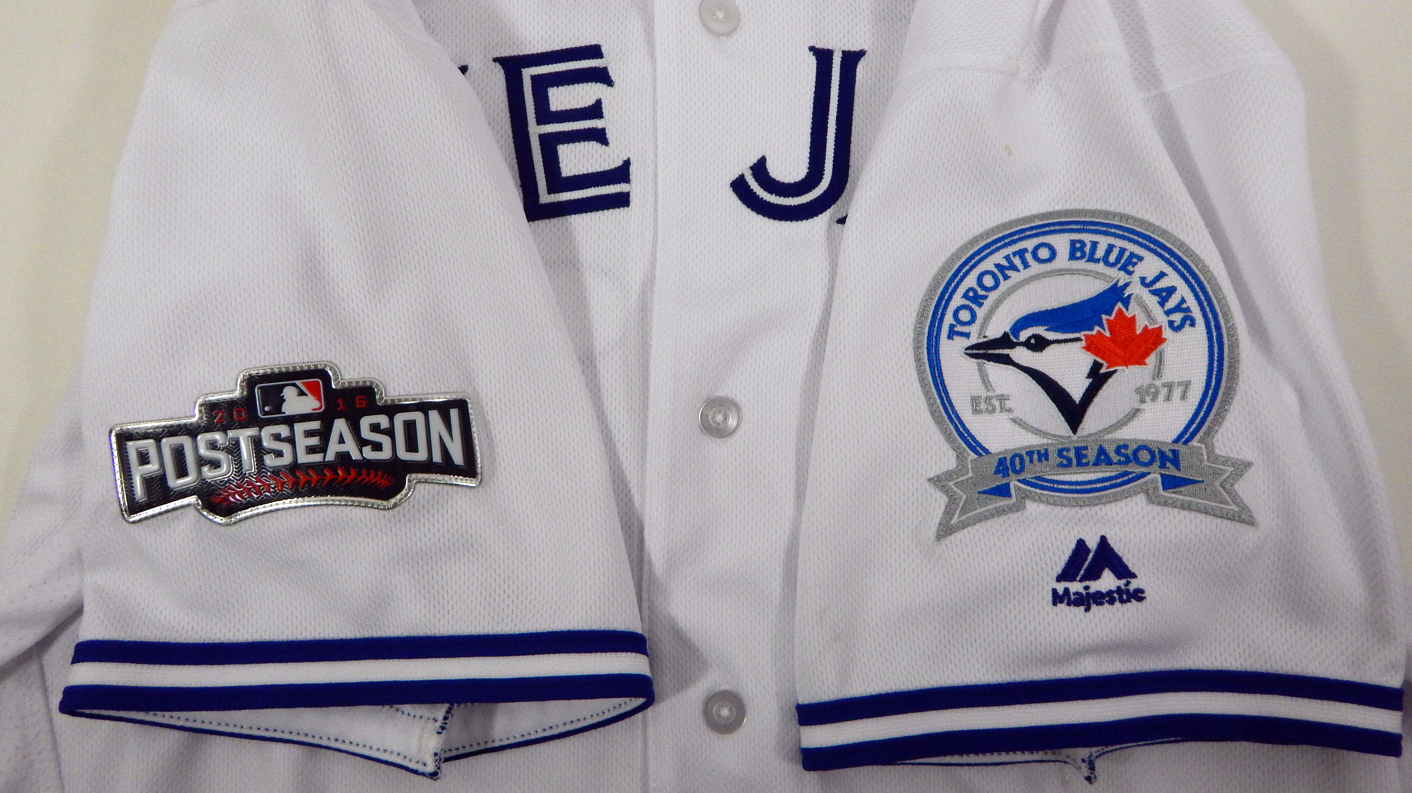 26c3f9598 2016 Toronto Blue Jays Darwin Barney  18 Game Issued White Jersey Playoff  Patch 3 3 of 9 ...